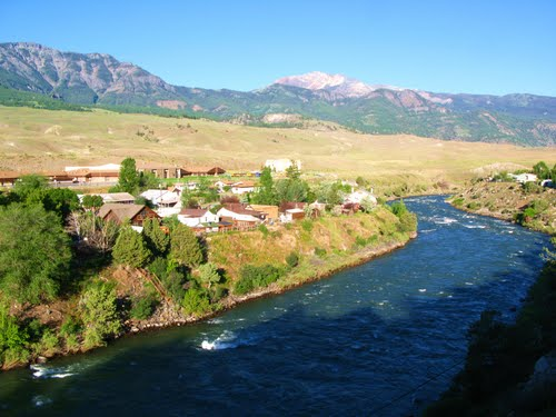 Fly Fishing the Yellowstone River near Yankee Jim Canyon with Fins & Feathers fly fishing guide service and Bozeman fly shop.